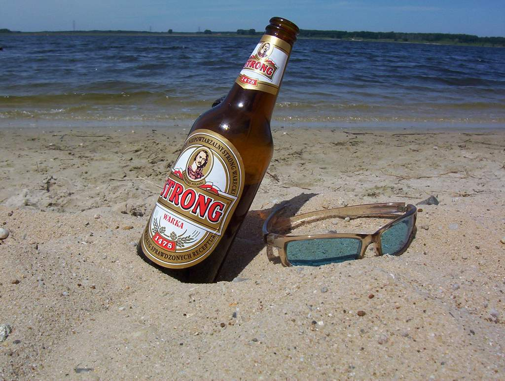 "photo ""Beer on the beach"" tags: landscape,"