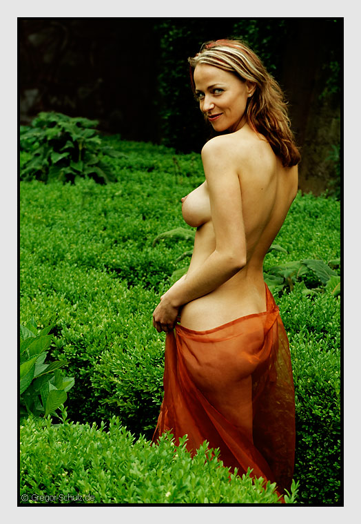 "photo ""Seduction?"" tags: nude,"