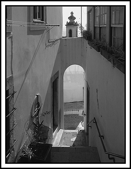 """photo """"Alfama 1 - The White City"""" tags: architecture, landscape,"""