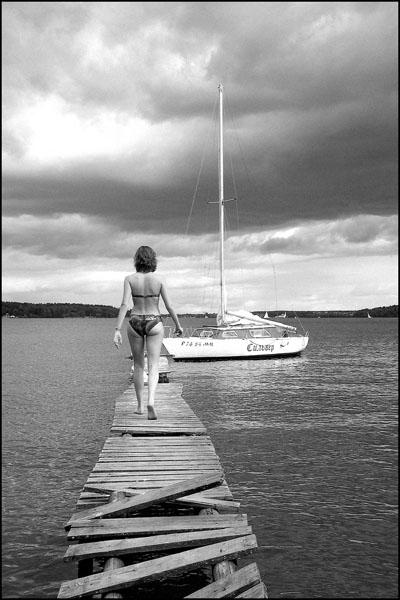 """photo """"***"""" tags: portrait, landscape, water, woman"""