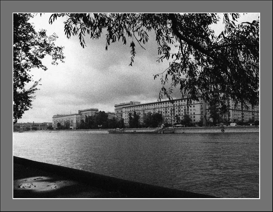 "photo ""MOSCOW..."" tags: architecture, black&white, landscape,"