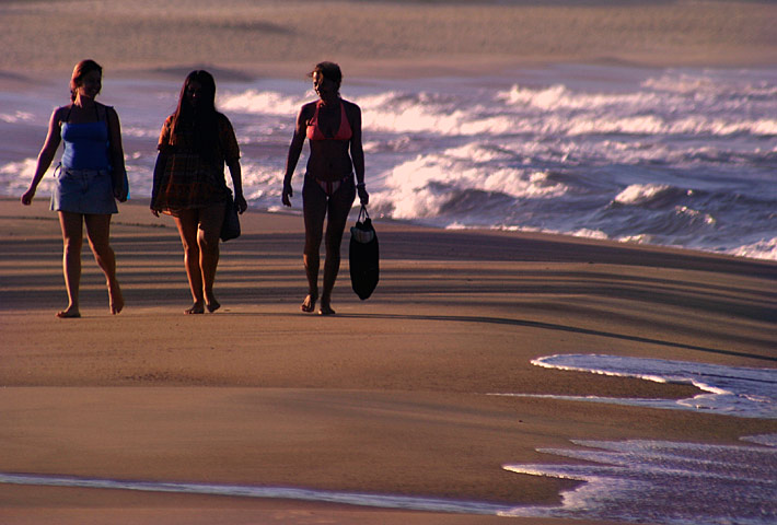 "photo ""Walking in the beach"" tags: landscape, sunset"