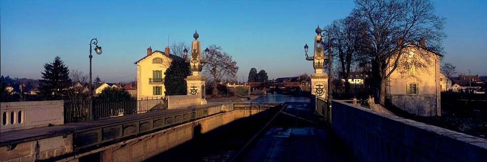 "photo ""Briare, Loiret."" tags: travel, architecture, landscape, Europe"