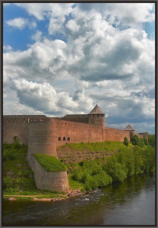 "photo ""Ivangorod"" tags: architecture, travel, landscape, Europe"