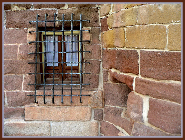 "photo ""window"" tags: still life, architecture, landscape,"