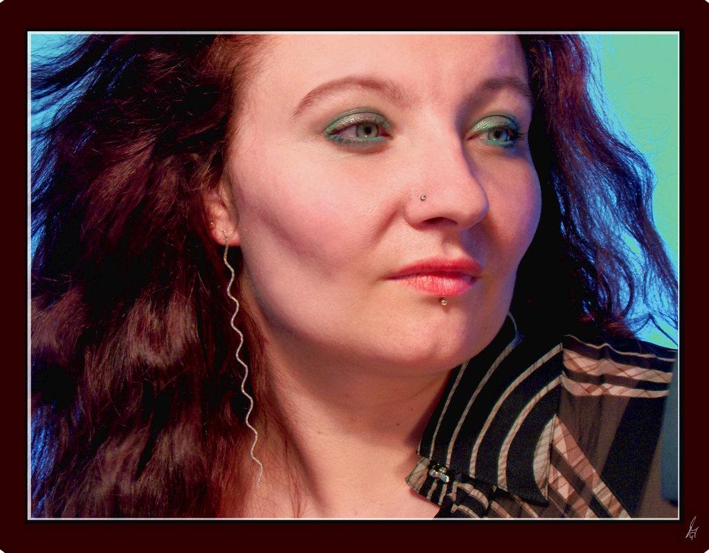 """photo """"womanly grace"""" tags: portrait, woman"""