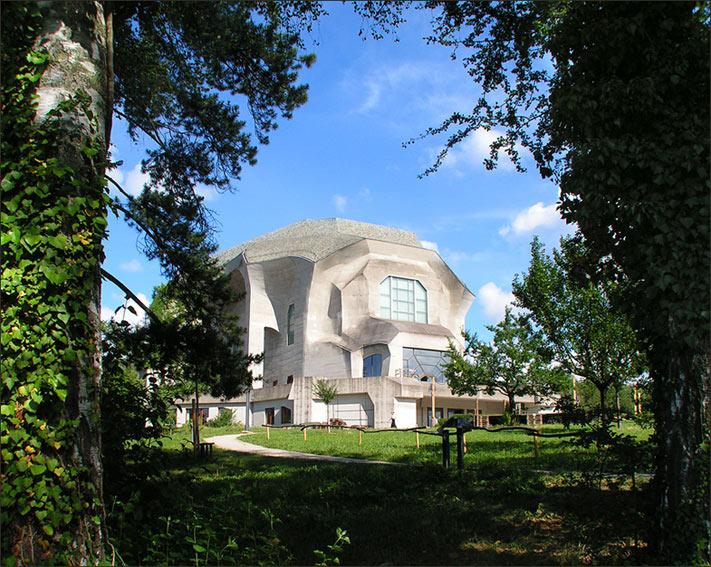 "photo ""Geotheanium. Rudolf Steiner studium."" tags: architecture, landscape,"
