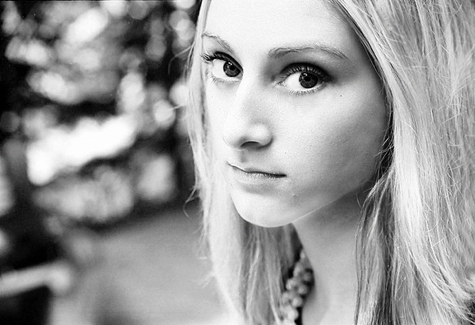 "photo ""Mona (repost)"" tags: portrait, black&white, woman"