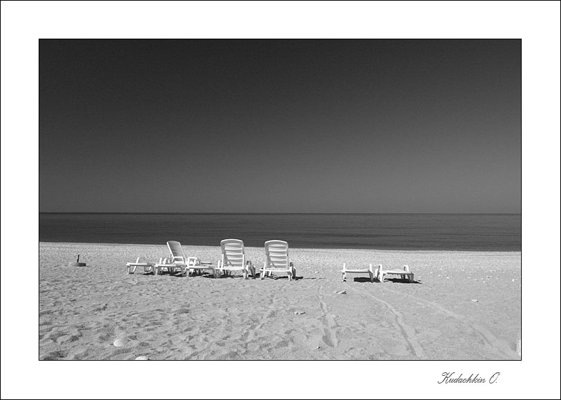 "photo ""Beach"" tags: landscape, black&white, water"