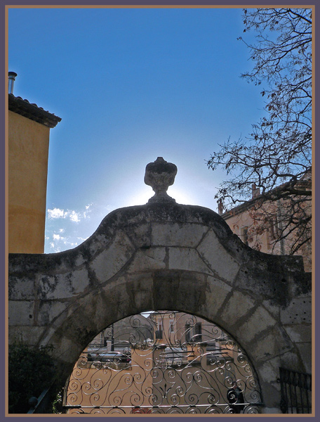 "photo ""Arc"" tags: architecture, landscape,"