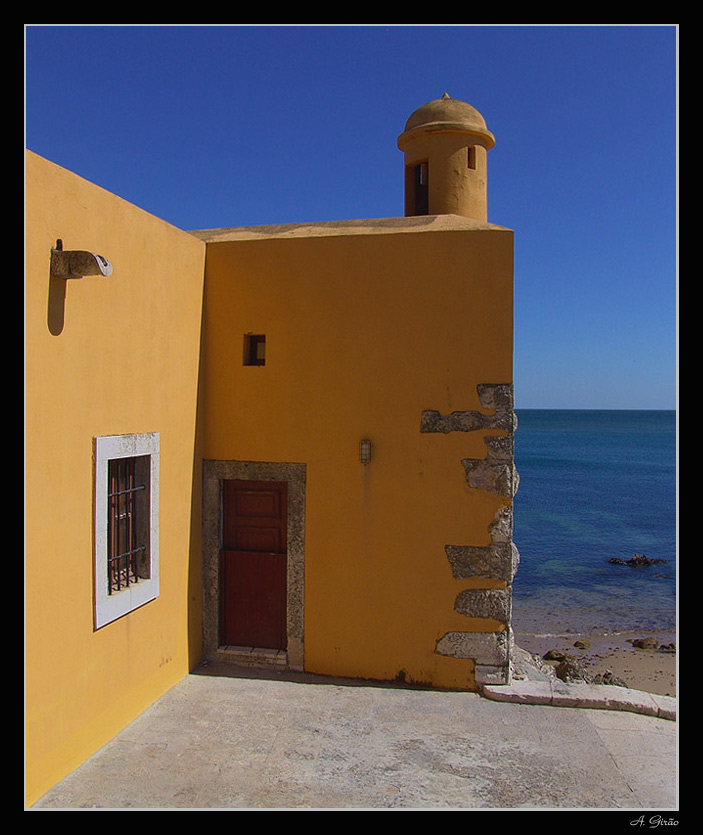 "photo ""Yellow Watchtower"" tags: architecture, landscape, summer"