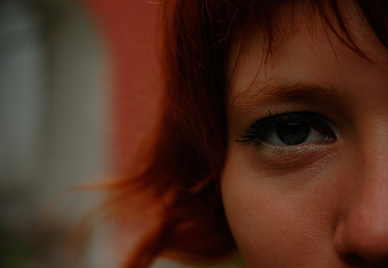 "photo ""To Look"" tags: portrait, macro and close-up, woman"