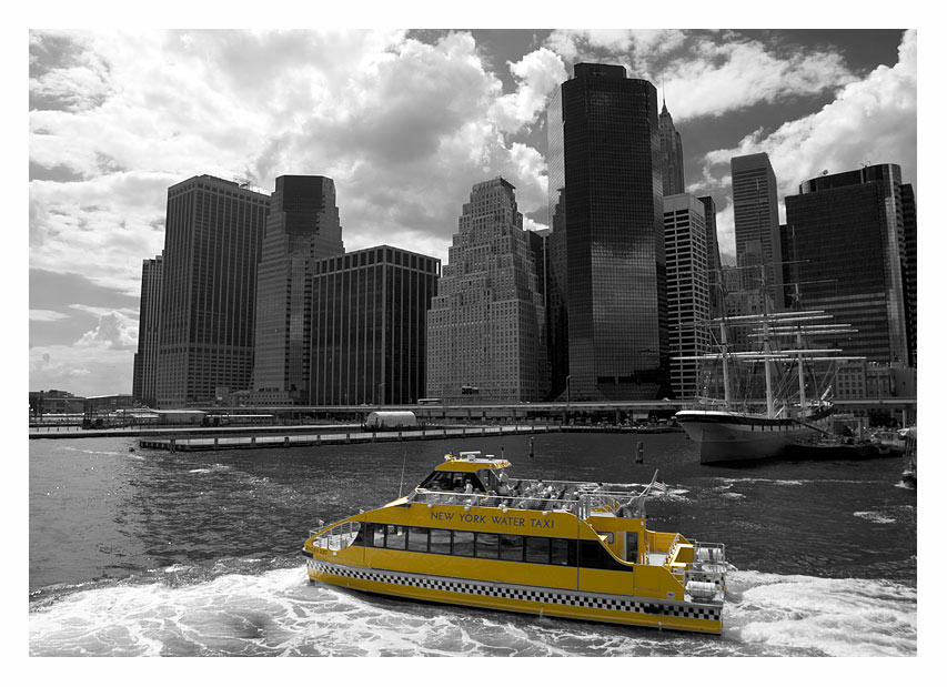 "photo ""NY Watertaxi"" tags: black&white, architecture, landscape,"