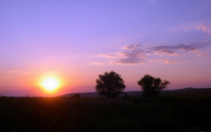 "photo ""Untitled photo"" tags: landscape, sunset"
