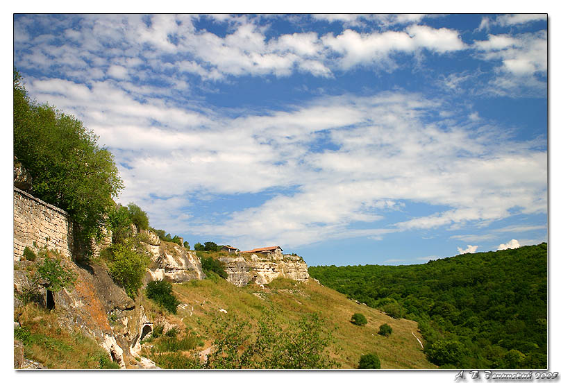 "photo ""The cave city of Chufut-Kale."" tags: travel, landscape, clouds"