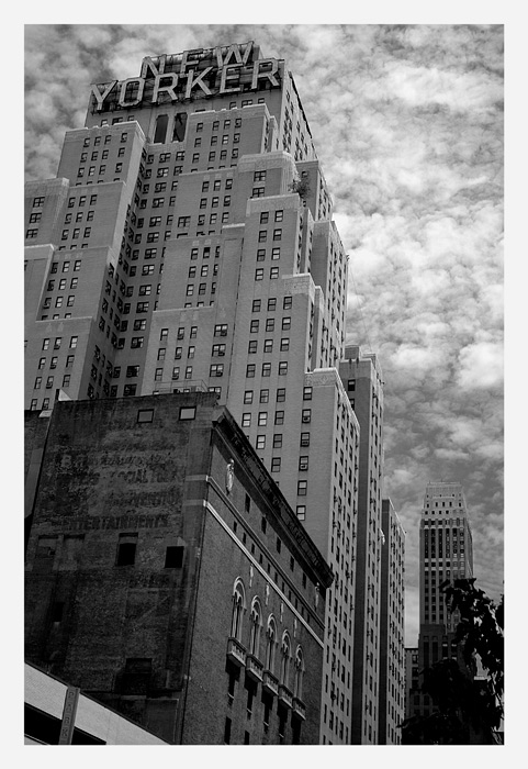 "photo ""New Yorker"" tags: architecture, black&white, landscape,"