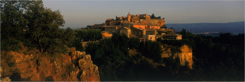 "photo ""Roussillon, Vaucluse"" tags: travel, landscape, Europe, sunset"
