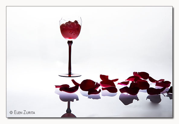 "photo ""RED ...as an ideia"" tags: still life,"