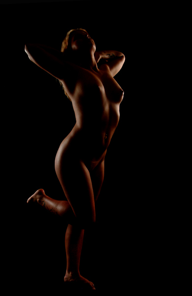 "photo ""The golden statue"" tags: nude,"