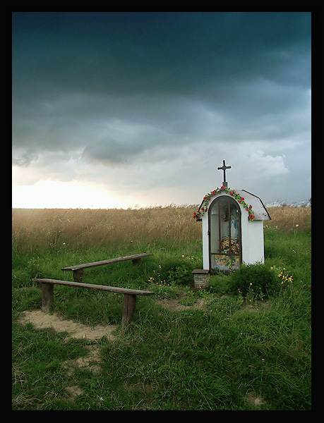 "photo ""Chapel in cornfield"" tags: landscape, travel, Europe, clouds"