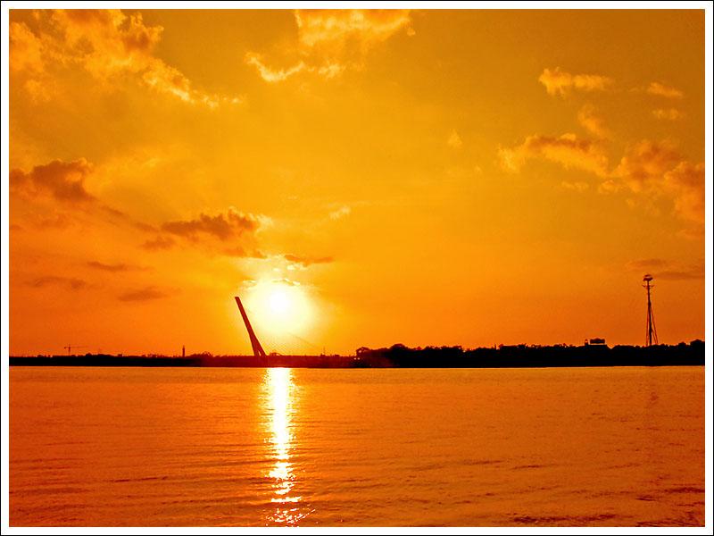 "photo ""twilight at sunset"" tags: landscape, sunset"