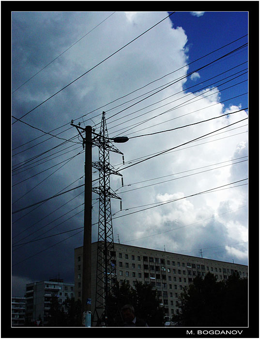 """photo """"Light vs darkness"""" tags: landscape, architecture, clouds"""