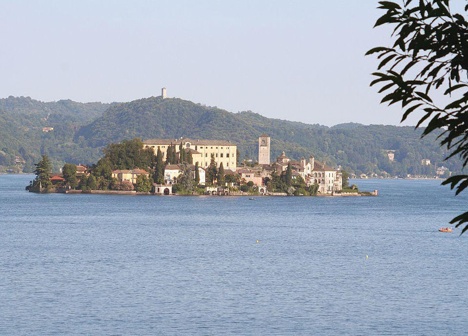 "photo ""San Giulio - Lake Of Orta - Italy [different sight"" tags: travel, landscape, Europe, mountains"