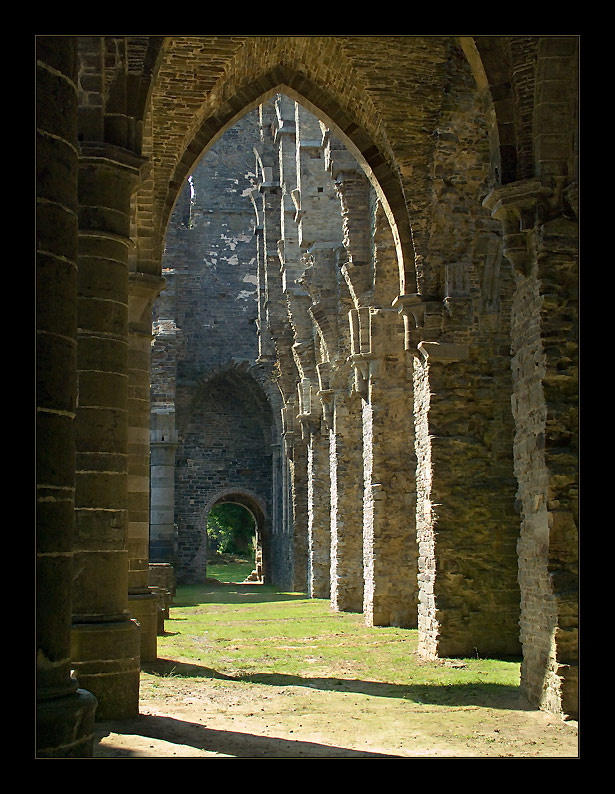 "photo ""Ruins of old abbey-5"" tags: travel, architecture, landscape, Europe"