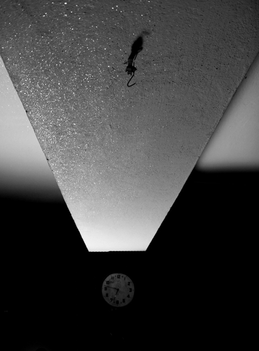 "photo ""./..."" tags: black&white,"