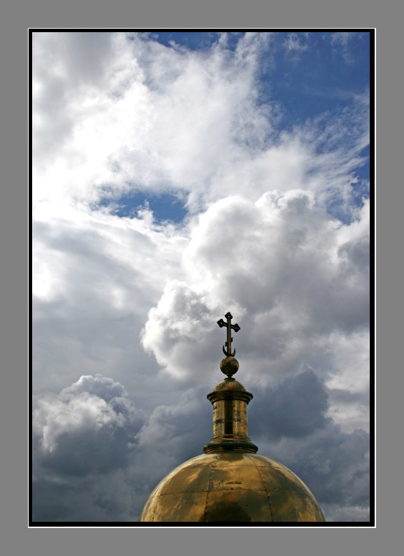 "photo ""el fragmento de catedral Isakievsky..."" tags: architecture, landscape, clouds"