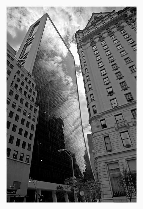 "photo ""NY reflected"" tags: architecture, black&white, landscape,"