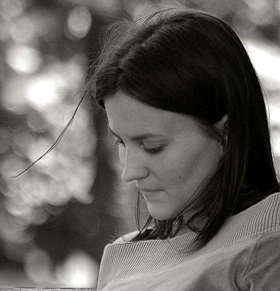"photo ""Untitled photo"" tags: black&white, portrait, woman"