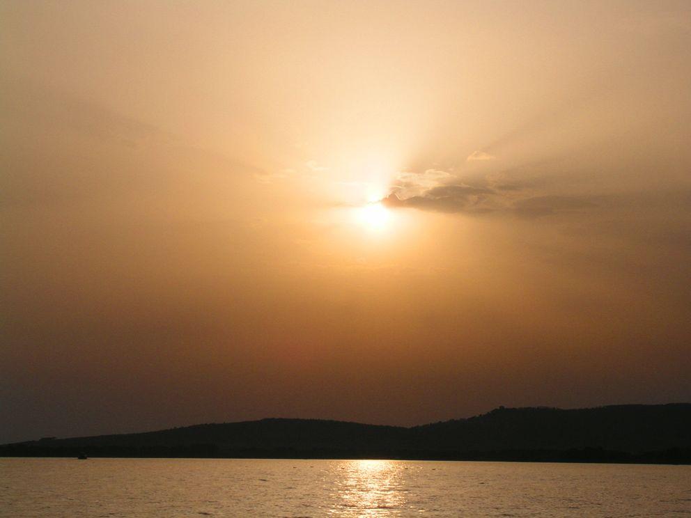 "photo ""trasimeno lake 29.07.05"" tags: nature, travel, Europe"