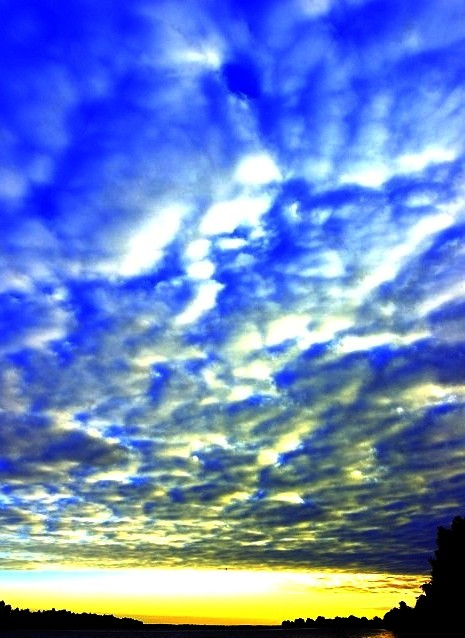 "photo ""sky"" tags: landscape, clouds, sunset"