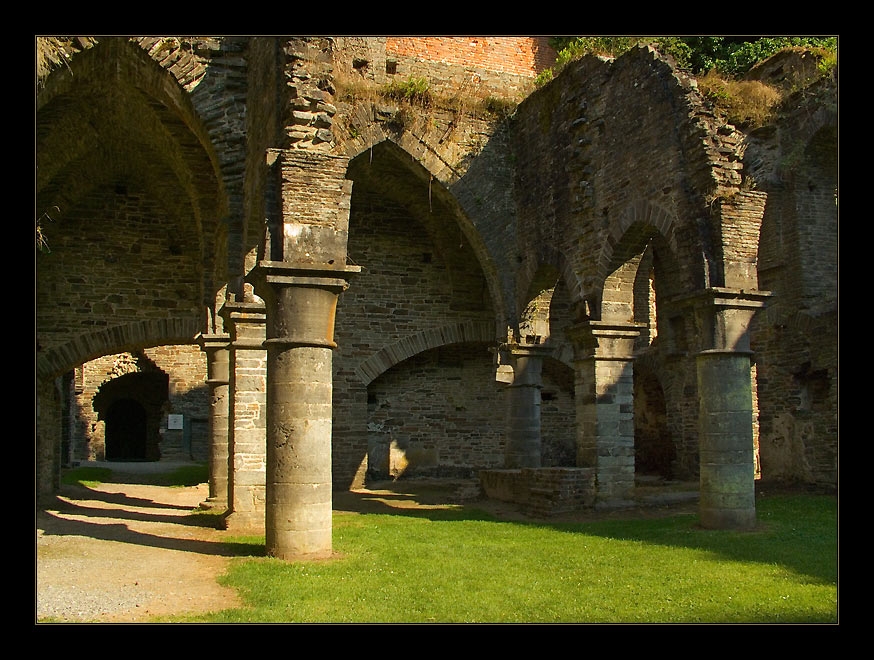 "photo ""Ruins of old abbey-8"" tags: travel, architecture, landscape, Europe"