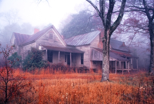 "photo ""Old Homeplace in fog"" tags: old-time, landscape, winter"