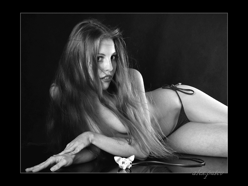 "photo ""The mermaid....."" tags: nude, black&white,"