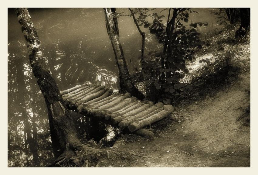 """photo """"Footbridge #2"""" tags: black&white, landscape,"""
