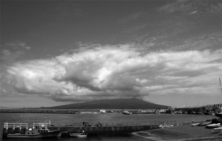 """photo """"""""Pico"""""""" tags: travel, black&white, Europe"""