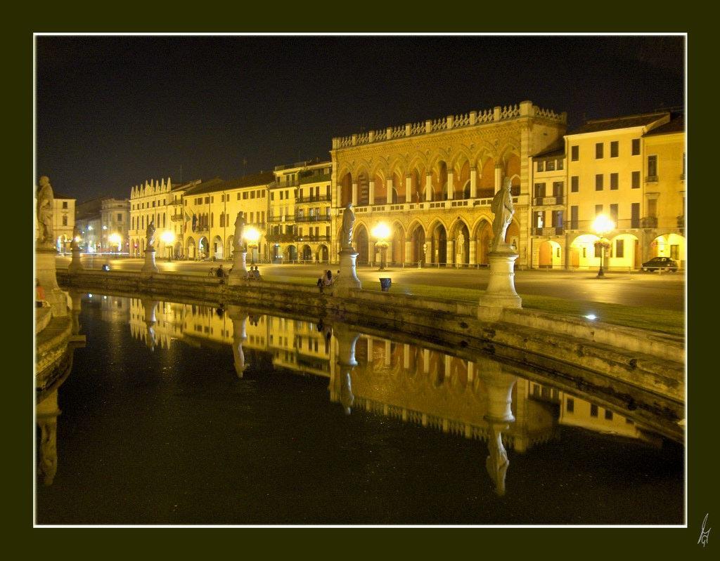 "фото ""luminous night"" метки: архитектура, пейзаж,"