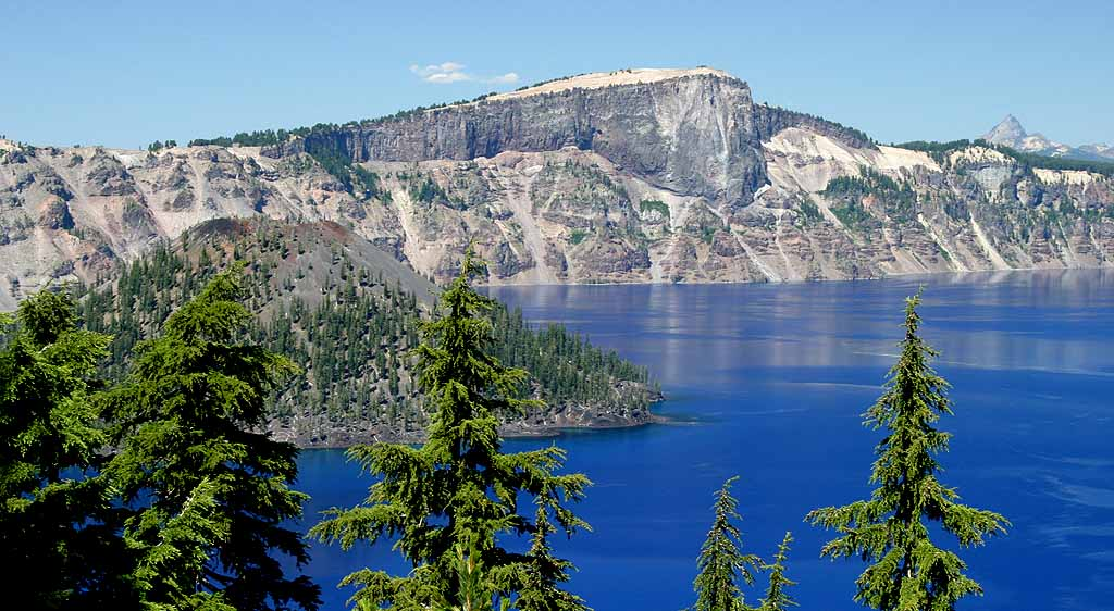 "photo ""Crater Lake"" tags: landscape, mountains, water"