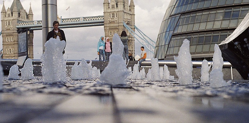 "photo ""LONDON"" tags: misc.,"