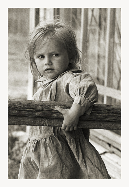 """photo """"Serious girl"""" tags: genre, portrait, children"""