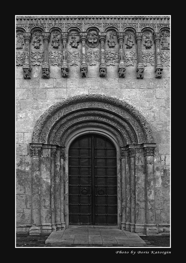 "photo ""Gate in XII century"" tags: architecture, landscape,"