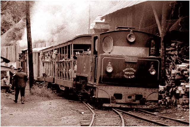 "фото ""Trenul istoriei"" метки: черно-белые,"