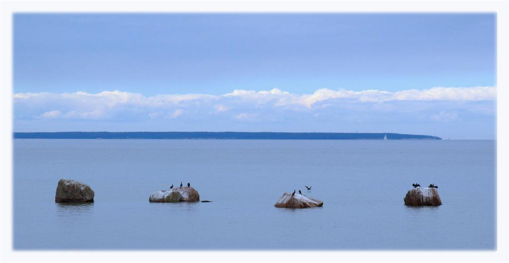"photo ""Four Stones"" tags: landscape, clouds, water"