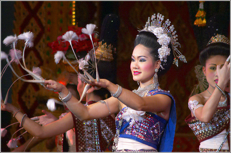 "photo ""Show"" tags: portrait, travel, Asia, woman"