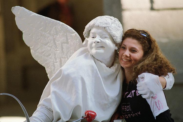 Фотографии обнимающихся ангелов