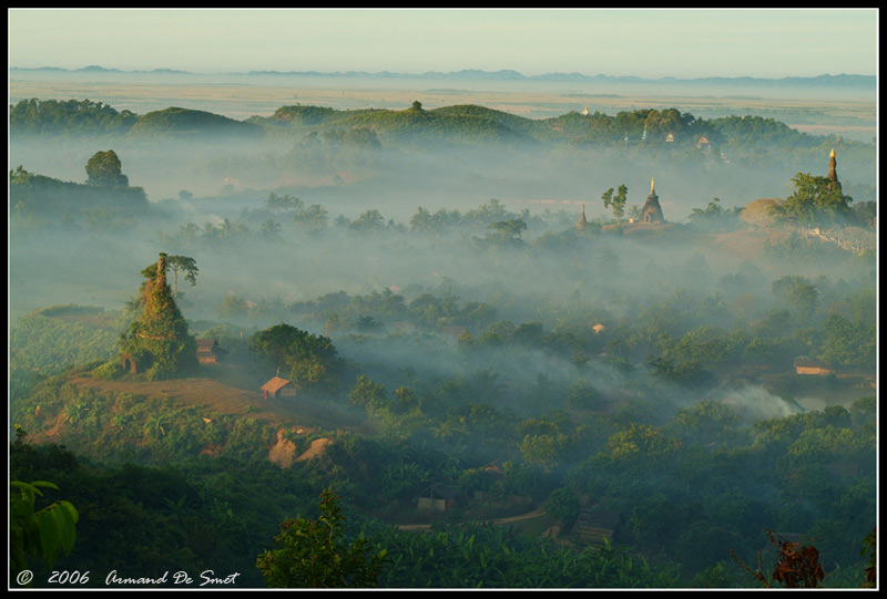"""фото """"Sunrise in Mrauk U"""" метки: архитектура, пейзаж, лес"""