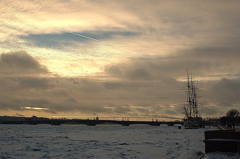 """фото """"Затертый в городских льдах"""" метки: архитектура, пейзаж, вода"""